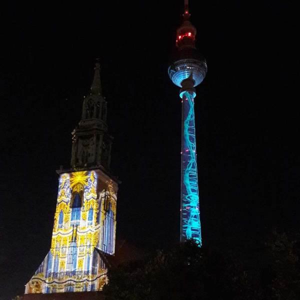 """Marienkriche und Fernsehturm im """"Festival of Lights"""" 2017"""